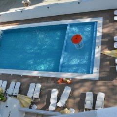Отель KAPRI бассейн