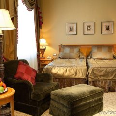 Гостиница Донбасс Палас комната для гостей фото 4