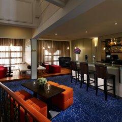 Отель Village Albert Court Сингапур гостиничный бар