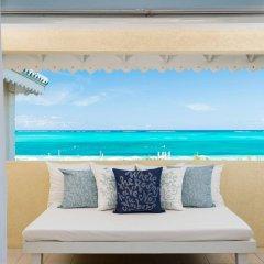Отель Beach House Turks and Caicos балкон