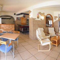 Отель Hostal Rosalia питание фото 2