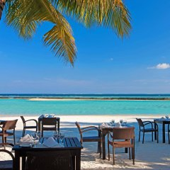 Отель Sheraton Maldives Full Moon Resort & Spa питание