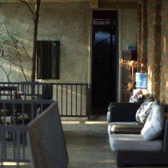 Отель Hostel City Hub Colombo Airport Шри-Ланка, Сидува-Катунаяке - отзывы, цены и фото номеров - забронировать отель Hostel City Hub Colombo Airport онлайн балкон