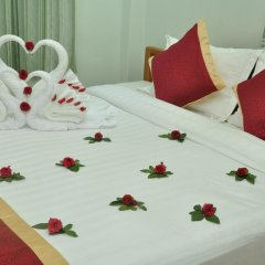 Отель Golden Kinnara Hotel Мьянма, Лашио - отзывы, цены и фото номеров - забронировать отель Golden Kinnara Hotel онлайн сейф в номере