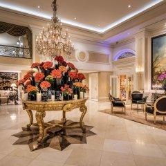 Отель Beverly Hills Plaza Hotel США, Лос-Анджелес - отзывы, цены и фото номеров - забронировать отель Beverly Hills Plaza Hotel онлайн интерьер отеля