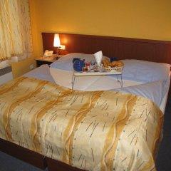 Отель Aparthotel Austria Suites комната для гостей фото 2