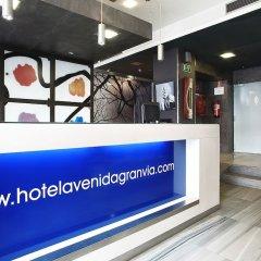 Отель Avenida Gran Via Испания, Мадрид - отзывы, цены и фото номеров - забронировать отель Avenida Gran Via онлайн интерьер отеля фото 2