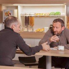 Отель hotelF1 Paris Porte de Châtillon (rénové) Франция, Париж - 1 отзыв об отеле, цены и фото номеров - забронировать отель hotelF1 Paris Porte de Châtillon (rénové) онлайн гостиничный бар