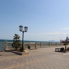 Гостиница Камелот в Малореченском 3 отзыва об отеле, цены и фото номеров - забронировать гостиницу Камелот онлайн Малореченское пляж