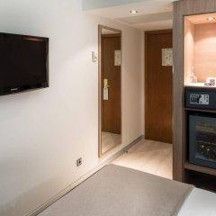 Отель Catalonia Roma сейф в номере