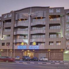 Отель Tulip Inn Al Qusais Dubai Suites ОАЭ, Дубай - отзывы, цены и фото номеров - забронировать отель Tulip Inn Al Qusais Dubai Suites онлайн вид на фасад