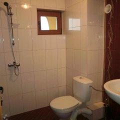 Отель Family Hotel Denica Болгария, Аврен - отзывы, цены и фото номеров - забронировать отель Family Hotel Denica онлайн ванная