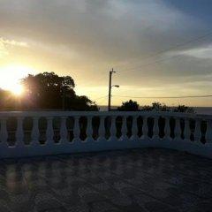 Отель Tina's Guest House Ямайка, Монастырь - отзывы, цены и фото номеров - забронировать отель Tina's Guest House онлайн балкон
