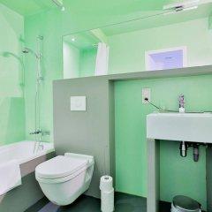 Отель Chic suisse flat Metro Louise Бельгия, Брюссель - отзывы, цены и фото номеров - забронировать отель Chic suisse flat Metro Louise онлайн ванная