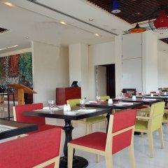 Отель Cinnamon RED Colombo Шри-Ланка, Коломбо - отзывы, цены и фото номеров - забронировать отель Cinnamon RED Colombo онлайн питание фото 3