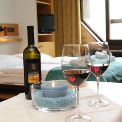 Отель Top Residence Kurz Сеналес в номере фото 2