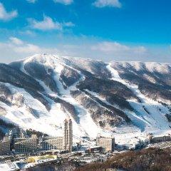 Отель Phoenix Pyeongchang Hotel Южная Корея, Пхёнчан - отзывы, цены и фото номеров - забронировать отель Phoenix Pyeongchang Hotel онлайн спортивное сооружение