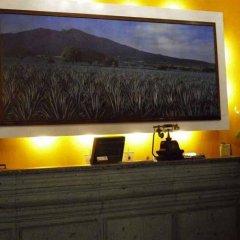 Отель Morales Historical & Colonial Downtown core Мексика, Гвадалахара - отзывы, цены и фото номеров - забронировать отель Morales Historical & Colonial Downtown core онлайн интерьер отеля фото 3