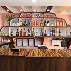 Отель OYO 137 Hotel Pranisha Inn Непал, Катманду - отзывы, цены и фото номеров - забронировать отель OYO 137 Hotel Pranisha Inn онлайн гостиничный бар
