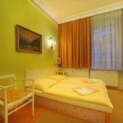 Отель Pension Amadeus комната для гостей фото 2