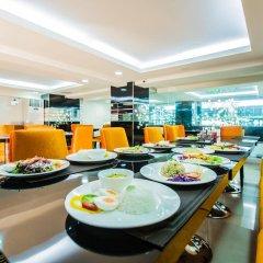 Отель Le Touche Бангкок питание