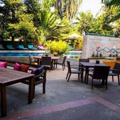Отель Ariyasom Villa Bangkok Бангкок гостиничный бар