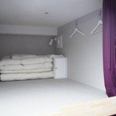 Hostel Anchorage Кобе сейф в номере