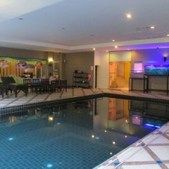 Отель Pattaya Loft Hotel Таиланд, Паттайя - отзывы, цены и фото номеров - забронировать отель Pattaya Loft Hotel онлайн бассейн