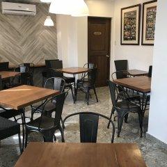 Отель Cebu R Hotel - Capitol Филиппины, Лапу-Лапу - отзывы, цены и фото номеров - забронировать отель Cebu R Hotel - Capitol онлайн помещение для мероприятий