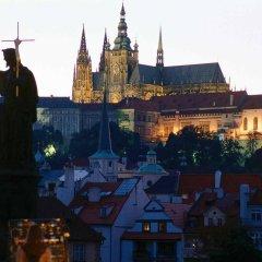 Отель Ibis Wenceslas Square Прага приотельная территория