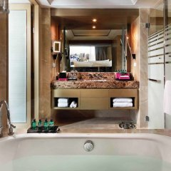 Отель Sofitel Sukhumvit Бангкок ванная фото 2