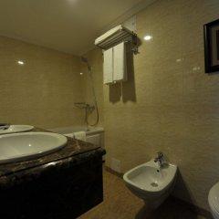 Гостиница Шахтар Плаза Украина, Донецк - 4 отзыва об отеле, цены и фото номеров - забронировать гостиницу Шахтар Плаза онлайн ванная