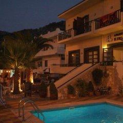 Апартаменты Kiriakos Apartments бассейн фото 3