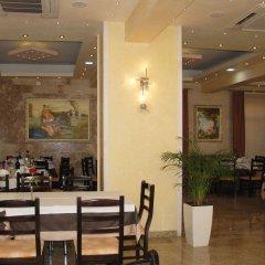 Отель GEGA Берат гостиничный бар