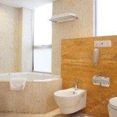 Отель Howard Johnson All Suites Hotel Китай, Сучжоу - отзывы, цены и фото номеров - забронировать отель Howard Johnson All Suites Hotel онлайн ванная фото 2