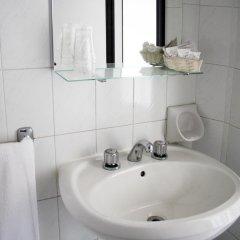 Hotel Laura Римини ванная