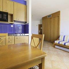 Azuline Hotel - Apartamento Rosamar в номере