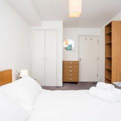 Отель Charming Peaceful 2 Bed with Parking and Garden Великобритания, Лондон - отзывы, цены и фото номеров - забронировать отель Charming Peaceful 2 Bed with Parking and Garden онлайн комната для гостей фото 2
