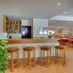 Отель Alba Португалия, Монте-Горду - отзывы, цены и фото номеров - забронировать отель Alba онлайн гостиничный бар