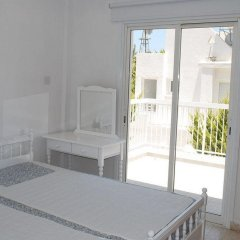 Апартаменты Flisvos Beach Apartments комната для гостей фото 2