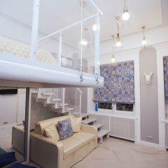 Апартаменты Kvart Apartment Dobryninskaya with sauna комната для гостей