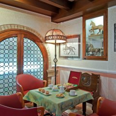 Hotel La Fenice Et Des Artistes в номере фото 2