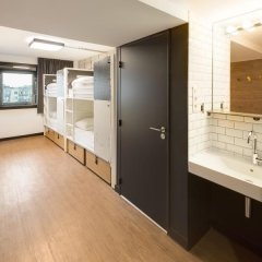 Отель Generator Paris Кровать в общем номере с двухъярусной кроватью фото 2