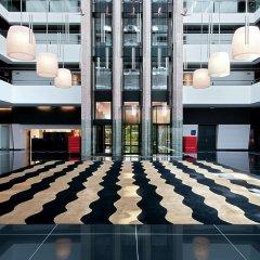 Отель Hilton Madrid Airport Мадрид интерьер отеля