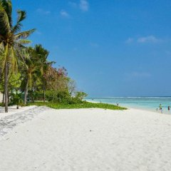 Отель Coconut Tree Hulhuvilla Beach Мале пляж фото 2
