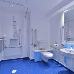 Отель Travelodge Manchester Central ванная фото 2