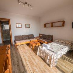 Отель Apartaments AR Muntanya Mar Испания, Бланес - отзывы, цены и фото номеров - забронировать отель Apartaments AR Muntanya Mar онлайн комната для гостей
