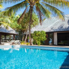 Отель The St Regis Bora Bora Resort Французская Полинезия, Бора-Бора - отзывы, цены и фото номеров - забронировать отель The St Regis Bora Bora Resort онлайн бассейн