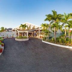 Отель Royal Decameron Club Caribbean Resort - ALL INCLUSIVE Ямайка, Монастырь - отзывы, цены и фото номеров - забронировать отель Royal Decameron Club Caribbean Resort - ALL INCLUSIVE онлайн парковка