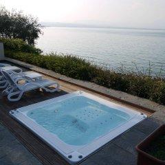 Hotel Acquaviva Del Garda бассейн